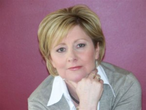 Image of writer Debi Marshall