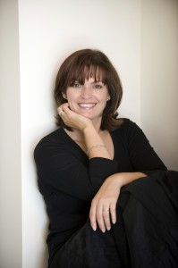 Image of writer Fiona McIntosh
