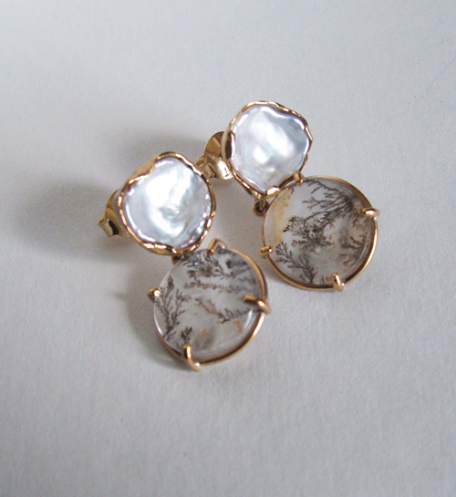 keshi pearl and moss agate set in 9ct yellow gold