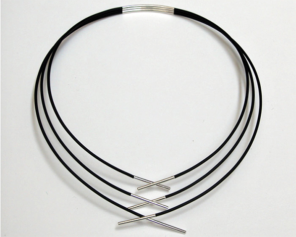 Fine Triple Necklace from Curve Series