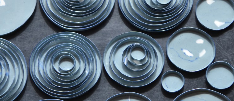Stackable plates