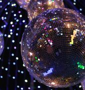 Mirror ball illumination